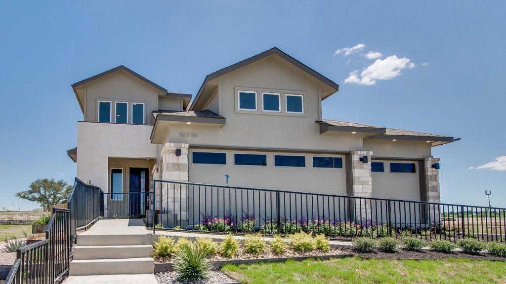 Pacesetter Homes New Models in Whisper Valley